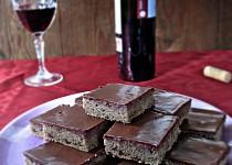 Čokoládové řezy s červeným vínem