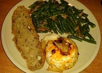 Hermelín s fazolovými lusky a domácím chlebíkem:)