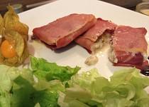 Kapsičky z parmské šunky a gorgonzoly