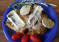 Kapusta s uzeninou a hříbky zapečená hermelínem