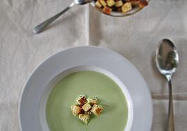 Hrášková polévka (krém) s krutony