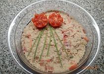 Kuskusový salát s tuňákem a rajčaty