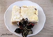 Kynutý koláč s banánem a domácí nutelou bez lepku, mléka a vajec