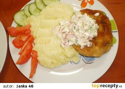 Luštěninové karbanátky s jarní remuládou a bramborovou kaší