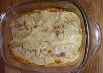 Mleté maso zapečené s bramborem a paprikovou smetanou