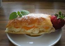 Ovocný chlebíček s krémem a mandarinkami