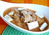Polévka z kysaného zelí s tofu