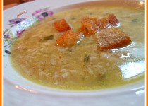 Polévka ze kousky masa podle našich babiček