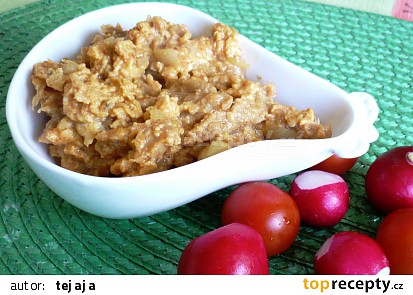 Sójový granulát s cibulkou a vejci