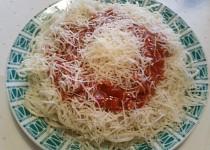 Špagety s jakoby boloňskou omáčkou