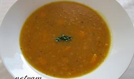 Gulášová polévka z dýně hokkaidó