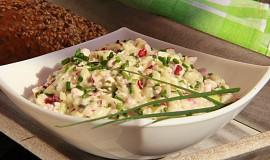 Hermelínový salát s ředkvičkami