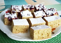 Hrníčkový medový koláč