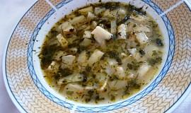 Kedlubno papriková polévka s bylinkami