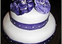 Svatební dort  s kytkami