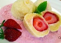 Tvarohové jahodové knedlíky s jahodovou merendou