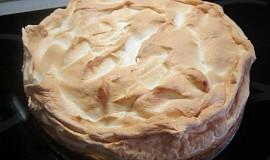 Tvarohový koláč se sněhovou čepicí (pro zaryté dietářky)