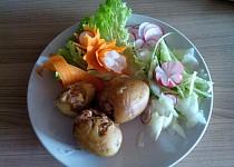 Zapečené plněné brambory se sojovým masem