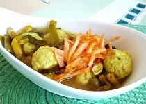 Zeleninová polévka s tofu knedlíčky