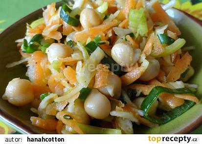 Zeleninovo cizrnový salát