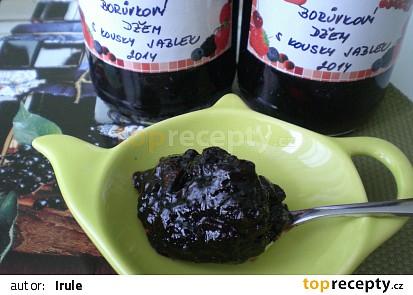 Borůvkový džem s kousky jablek
