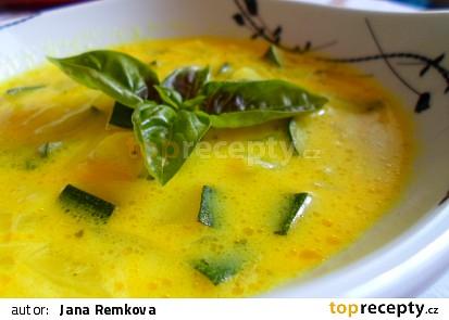 Cuketová polévka se sýrem