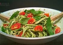 Cuketové špagety s bazalkovým pestem