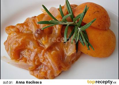 Meruňky s cibulí jako příloha k masu