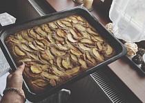 Nektarinkový koláč s vůní citrónu