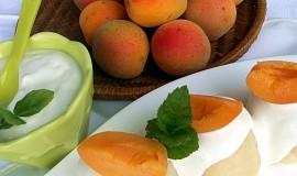 Rychlé meruňkové knedlíky bez kynutí (z odpalovaného těsta)