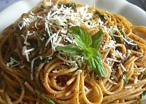 Špagety s mátovou omáčkou