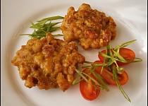 Vepřové placičky se sýrem a tatarskou omáčkou