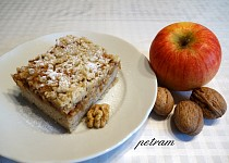 Jablíčkový koláč s čirokovou moukou bez lepku, mléka a vajec
