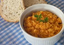 Pomazánka z vařené mrkve s uzeným sýrem