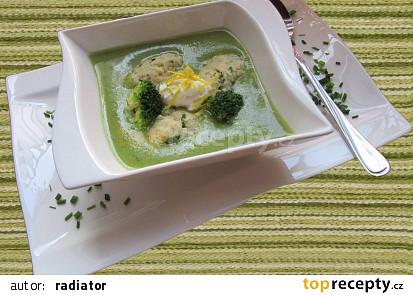 Brokolicová polévka krémová se sýrovými noky