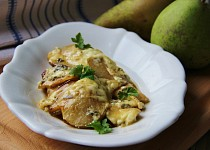 Kuřecí gratinované s hruškou, celerem a nivou