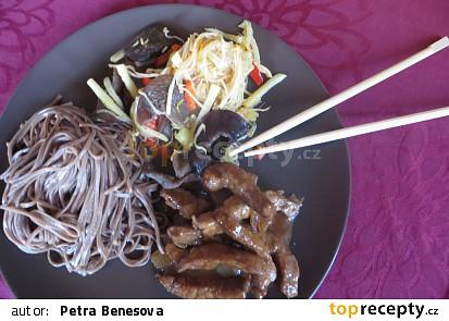 CHOP SUEY (čína z wok pánve) se soba nudlemi