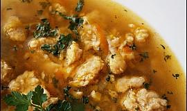 Falešná hovězí polévka z morkových kostí