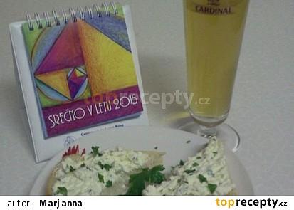 Česnekovo petrželková pomazánka se sýrem Fitaki