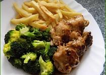 """Kuřecí steak s jemnou máslovou brokolicí ( aneb """" za 20 minut obědváme"""" )"""