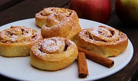 Kynuté skořicovo - jablkové šneky