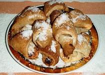 Listové šátečky plněné ořechovým máslem