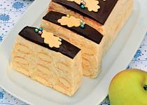 Nepečený piškotový dezert s tvarohem a jablky