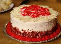 Red velvet dort + cream cheese icing