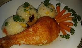 Zeleninová rýže  z mikrovlnky s uzeným stehnem