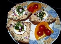 Šmakounova pomazánka s bylinkami a sardinkami