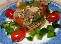 Uzená makrela na paprice, rajčatech s bylinkami