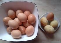 Bábovka ve vaječných skořápkách