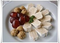 Camembert s chutnou sýrovo - ořechovou náplní