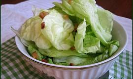 Hlávkový salát se škvarečky
